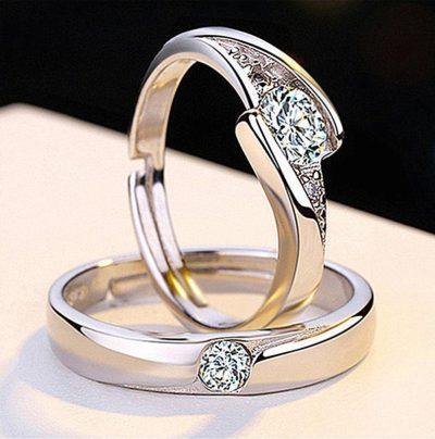 2 anillos de compromiso hombre y mujer