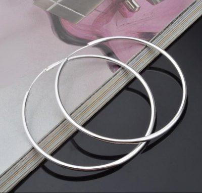 Pendientes de color plata de aro