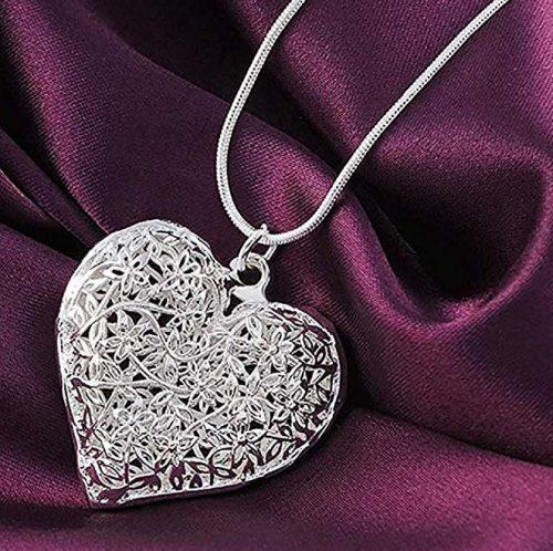 Collar con un corazón de filigrana de plata